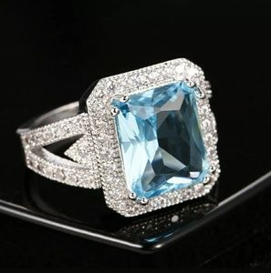 Gorgeous silver s925 created aquamarine ring